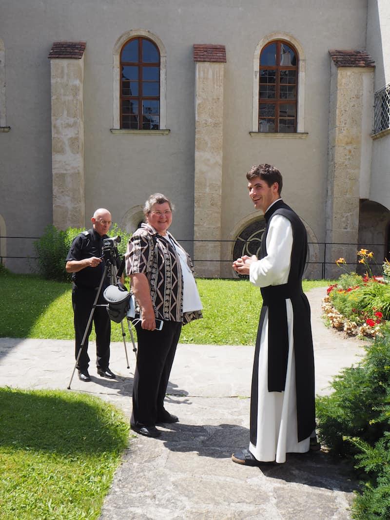 ... überhaupt ist es absolut lohnenswert, mit den freundlichen Patres des Stift Heiligenkreuz eine Führung in selbigem zu unternehmen: Ihr seht dabei Stiftskirche, Kreuzgang,