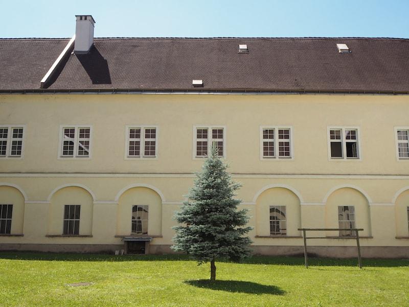In diesem Gästetrakt des Stift Lilienfeld nächtigen wir heute ...