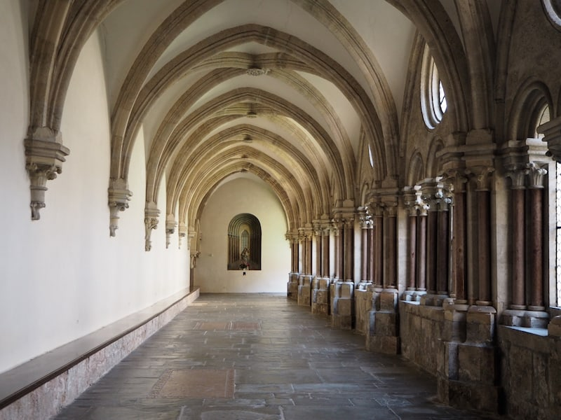 ... und so machen wir uns Schritt für Schritt daran, das Stift Lilienfeld (hier mit seinem schönen Kreuzgang) ...