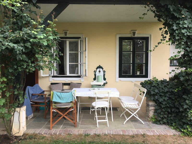 Having started my present-day writer's retreat in the more cosy, well-known environment of my own home (wine) country in Lower Austria, I also really enjoyed starting the writing process about half a year earlier by Lago Trasimeno, in Umbria, Italy ...