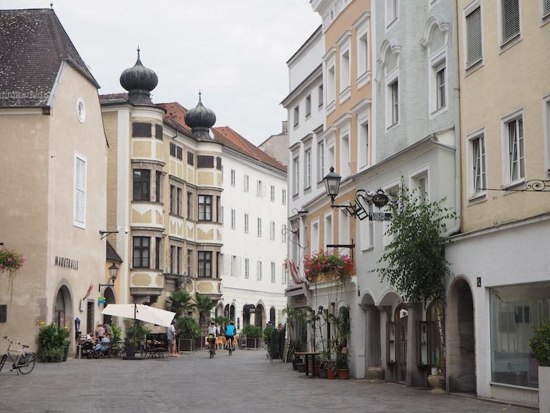"""... wandeln auf den Spuren von """"Geschichte mit Geschichten"""" durch die Altstadt ..."""