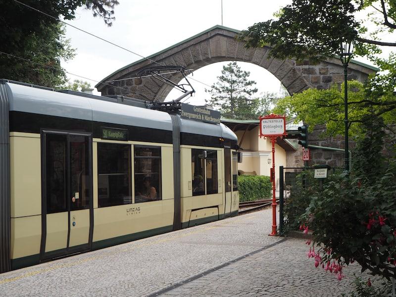 ... und erkunden auch den Linzer Pöstlingberg mit der Pöstlingbergbahn ...