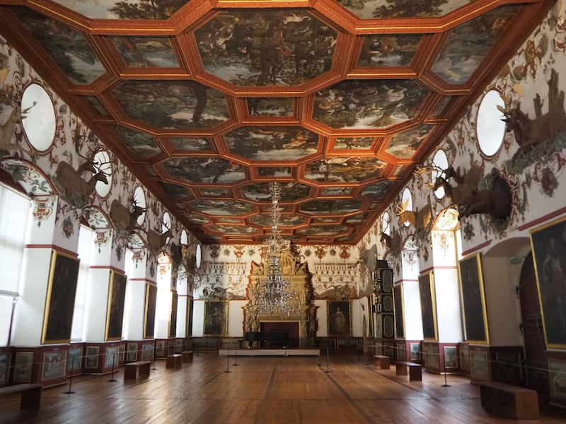 ... besonders der Renaissance-Saal hier,