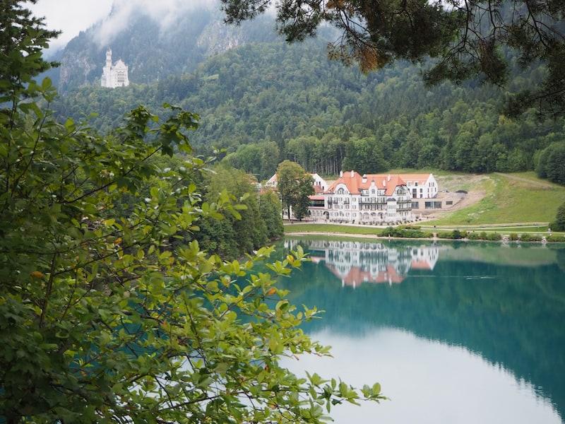 ... zum Blick über den Alpsee ...