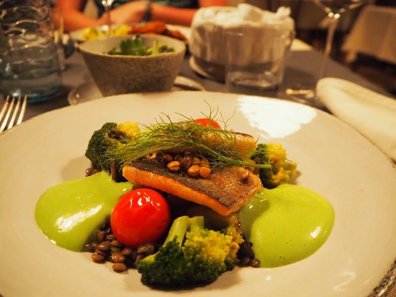 ... ein guter Lokaltipp, bei dem Ihr kulinarisch auf Eure Kosten kommt: Reservierung nicht vergessen!