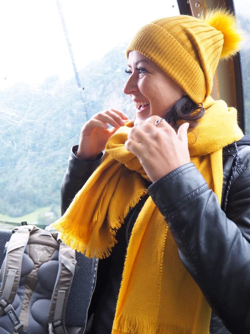 """Los geht's : Für das Kitzsteinhorn und seiner 3.000 Meter hohen """"Gipfelwelt"""" heißt es warm anziehen ..."""