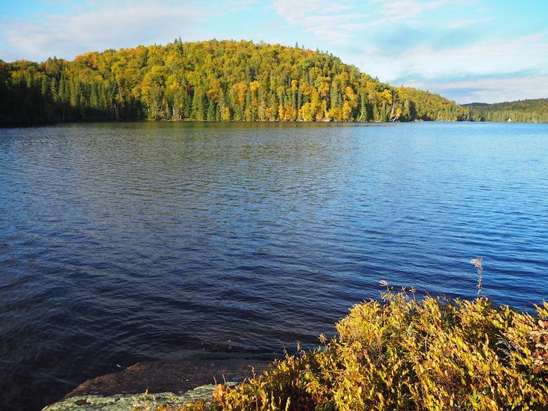... und der See beim Morgenspaziergang dann umso mehr: