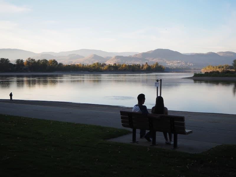 """Wege zur Entspannung bietet der """"Riverside Heritage Park"""" am unteren Ende der Stadt:"""