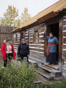 ... herzlich willkommen heißt es da in ein einfaches, altes Bauernhaus ...