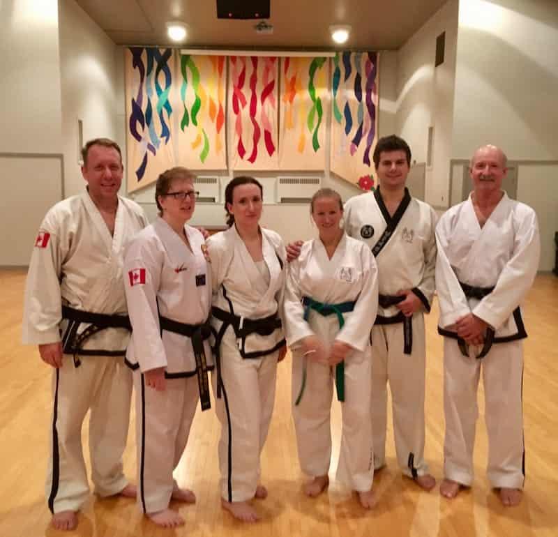 ... beim ersten Taekwondo-Training in Calgary anlässlich meines Geburtstages: Verrückte Gemeinsamkeiten bringen die interessantesten Menschen überall auf der Welt zusammen ...
