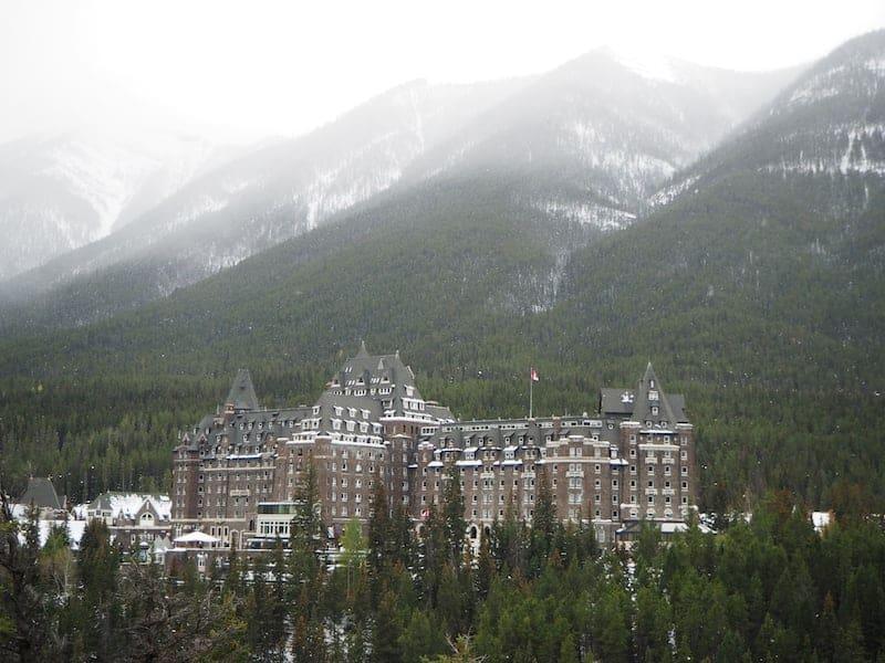 Tipp: Weitere Day-Spa-Angebote bietet das Fairmont Banff Springs Hotel, das sich für einen Tages-Wellness-Abstecher und bei Schlechtwetter wie diesem ebenfalls lohnt.