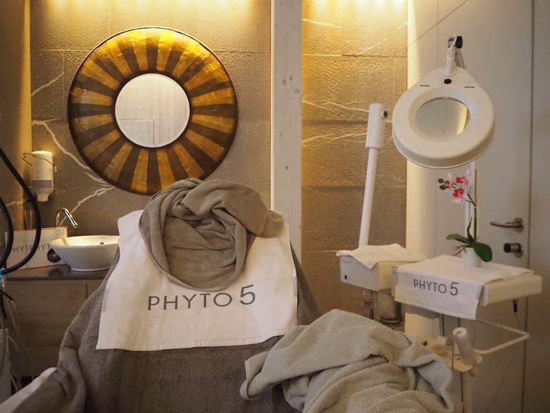 """... zur neuartigen """"Phyto5""""-Gesichtsbehandlung hinreißen - ein Frische-Traum für die müde Haut!"""