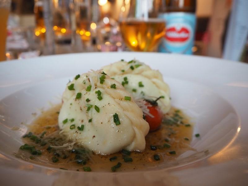 Klassisch Kärntner Kasnudel: Wie gut, dass hier so gut gekocht wird und ich gerade nicht auf die Kalorien achten muß!