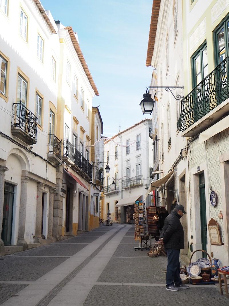 Der Charme der historischen Altstadt von Évora ...