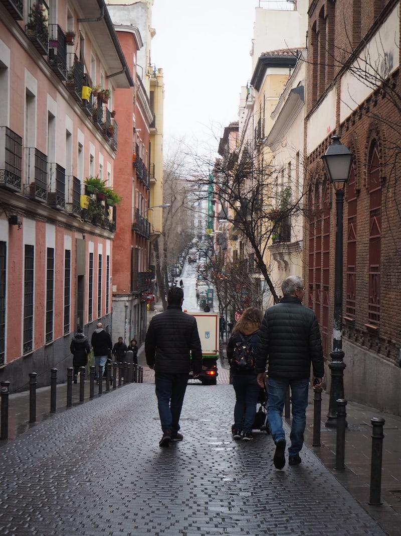 """... weiter spazieren wir durch das zentrale Viertel """"Malasaña"""" ..."""