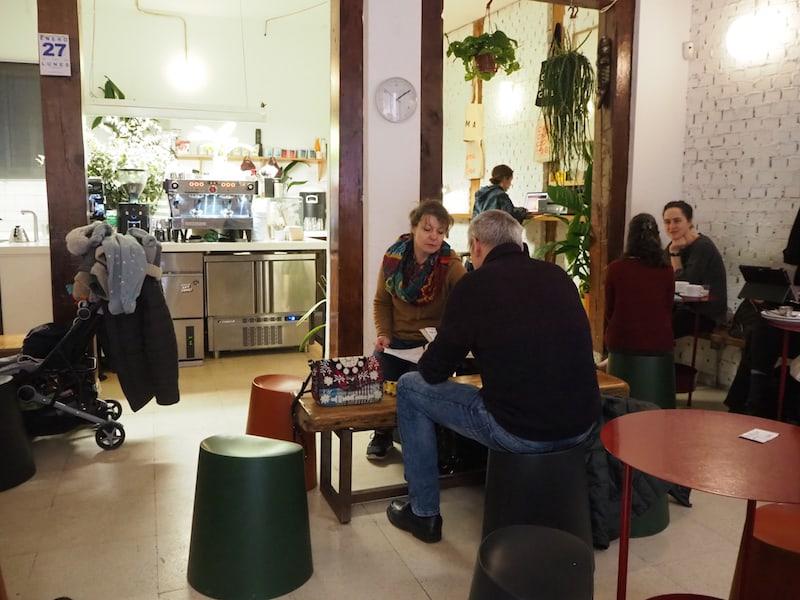 """Gemütlich: Ein Nachmittag im modernen """"Toma Café"""" ..."""