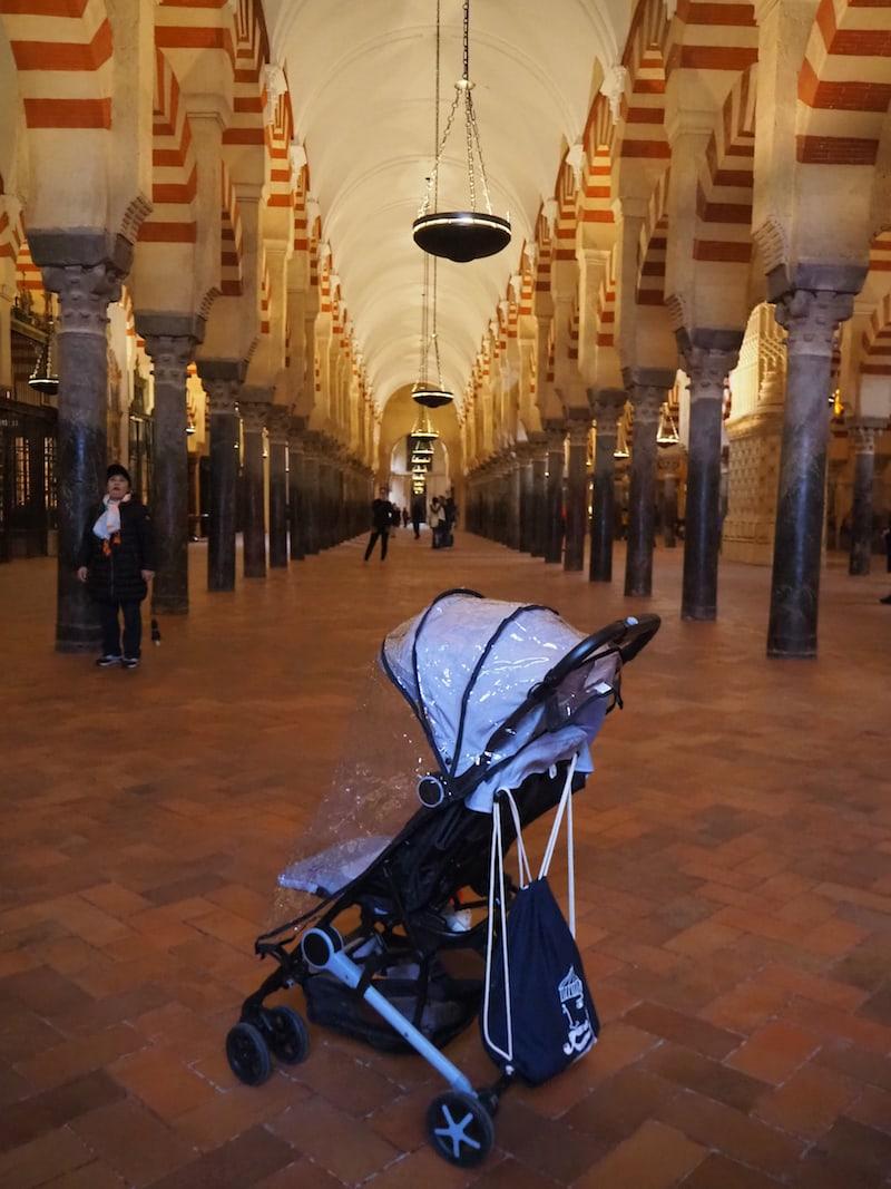 ... ist auch mit Baby (Kinderwagen ist innen erlaubt!) gut möglich ...