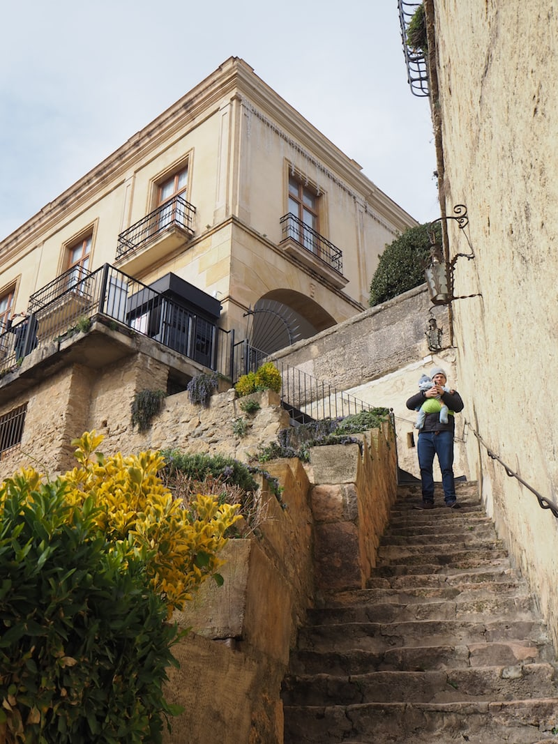 Zur Erkundung der Brücke lohnt es sich, die vielen Stufen zu einem kleinen Museum direkt innerhalb dieses architektonischen Meisterwerks aus dem 18. Jahrhundert hinabzusteigen ...