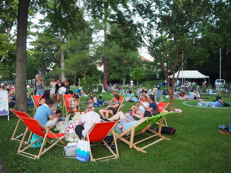 """Auch das Mondschein-Picknick im Doblhoff-Park von Baden ist """"der Rede wert"""" ..."""