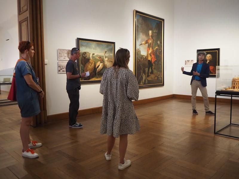 bei einer Führung durch die österreichische Kunstszene einen Besuch abgestattet.