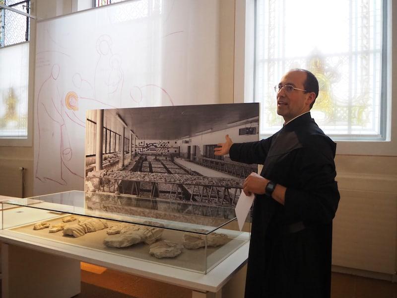 Das Museum besuchen wir gemeinsam mit Bruder Martin,