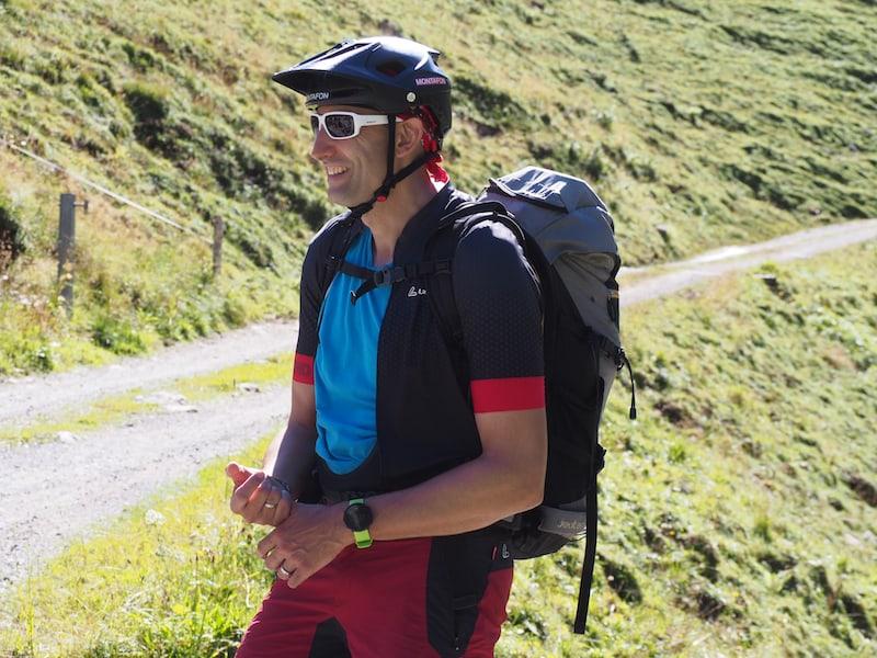 ... Markus hat für alle den richtigen Schmäh sowie ein paar spannende Infos über Wegstrecke, Berge und seine diversen Sporterfahrungen im Gepäck ...