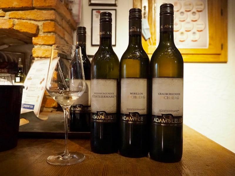Habt Ihr einen Lieblingswein aus der Steiermark? Hier können wir nahezu alle für die Südsteiermark typischen Sorten verkosten: