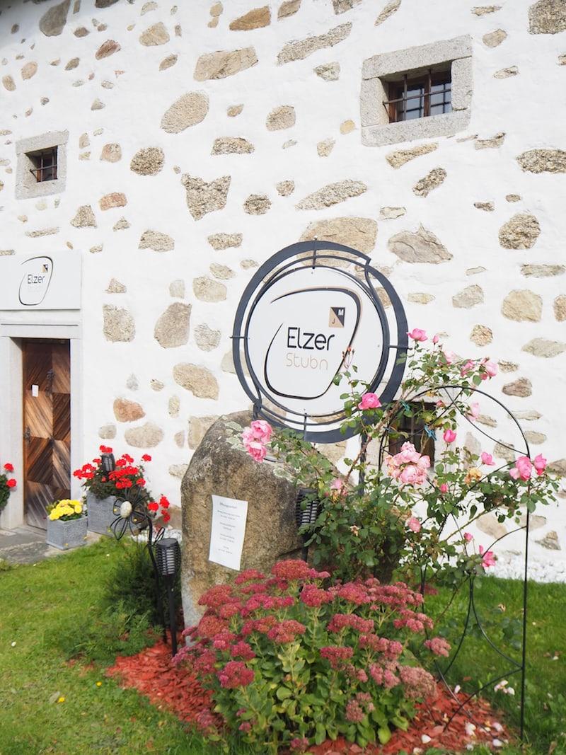 """Die Elzer Stub'n im Mühlviertel findet Ihr in diesem alten """"Steinbloß""""-Bauernhaus ..."""