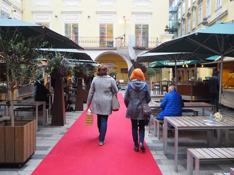 Herzlich willkommen auf dem Grazer Trüffelmarkt inmitten des zauberhaften Ambientes des Paradeishofes mitten in Graz ...