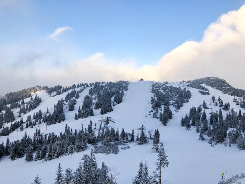 Das Skigebiet Hochkar ist mit knapp 2.000 Meter Höhenlage das höchste in ganz Niederösterreich und bietet genug Pisten für einen schönen Tagesausflug.