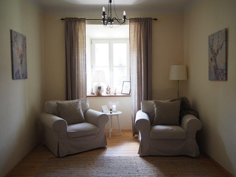 """Schon beim Einchecken fällt mir dieser Platz im Haus auf, der sich schnell zu einer persönlichen """"Schreib-Ecke"""" für mich herausstellt ..."""