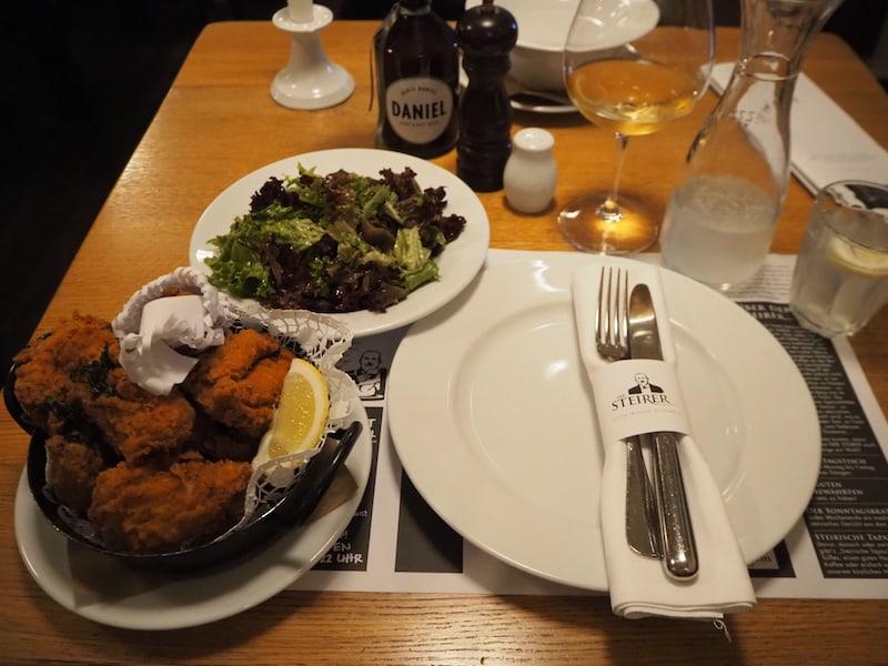 """Mahlzeit aus dem Restaurant """"Der Steirer"""", unter anderem auch für seine """"steirischen Tapas"""" bekannt!"""