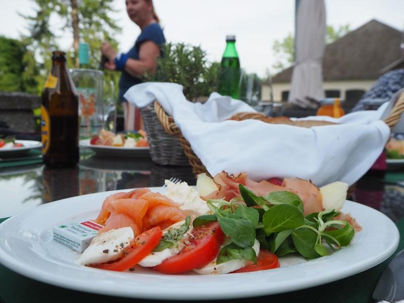... Mahlzeit mit dieser erfrischenden Jause nach einem langen, heißen Sommertag bei den Pallottinern.
