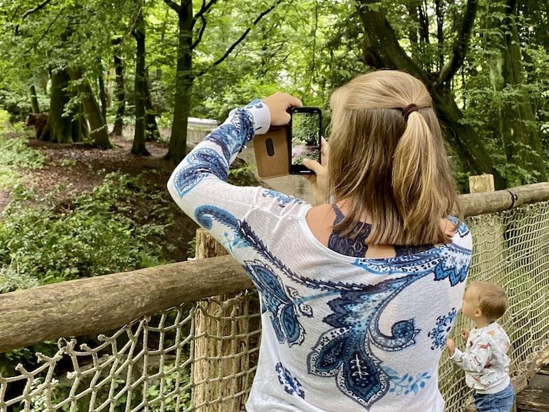 ... sowie natürlich auch der nahe gelegene Zoo, welcher wirklich schön in einen Waldhang integriert ist. Prädikat: Sehenswert, nicht nur für Familien!