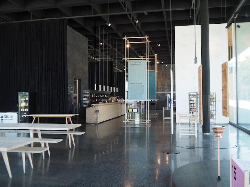 Die aktuelle Ausstellung läuft unter dem Titel: Vom Schaufenster zum Wissensfenster.