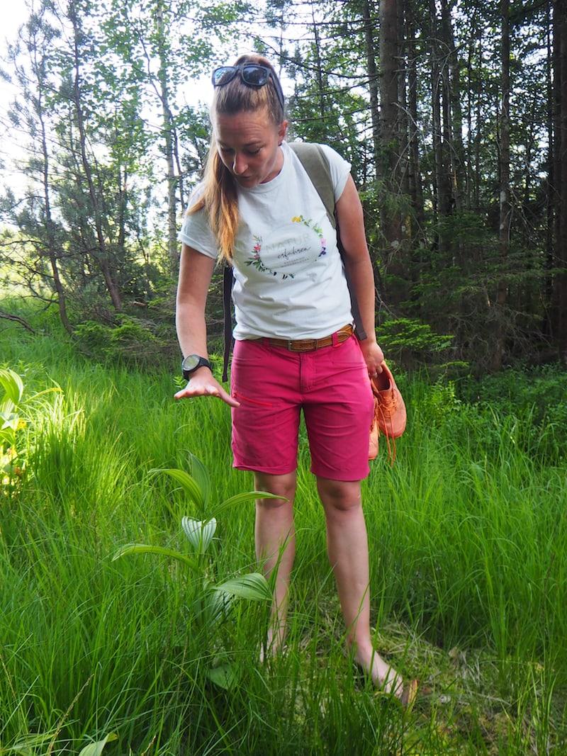 ... begeben wir uns mit unserer erfahrenen und kompetenten Wanderführerin Katharina Moosbrugger ...