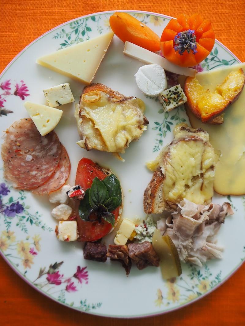 ... wir das schon was mit dem Käse: Danke für das tolle Käsebuffet im Anschluss an unsere Frischkäse-Werkstatt!