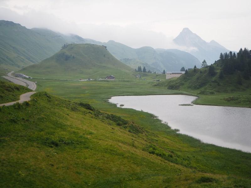 Die Landschaft am Hochtannbergpass, rund 1700 Meter über dem Meer,