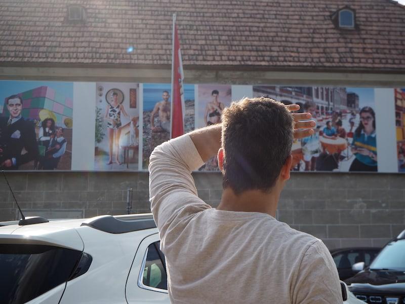 """... wir spazieren weiter zum Brusattiplatz und ergötzen uns an Fotografen Marcos López eigentümlichen """"Pop Latino""""-Aufnahmen ..."""