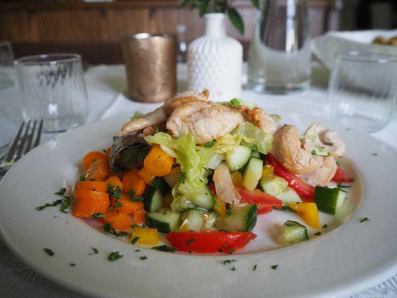 ... der Jahreszeit entsprechend genießen wir hier auch die passende, sommerliche Küche ...