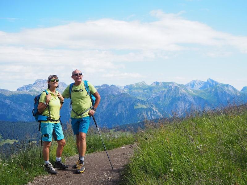 Meine Wanderführer für den Tag am Hochjoch: Schneeschuh- und Wanderführerin Elisabeth Mangard und ihr Mann, der uns spontan begleitet.