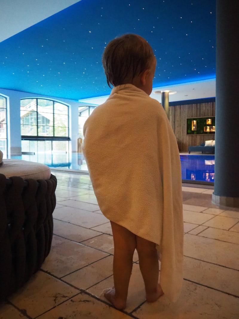 Danach geht's am besten noch in den Pool: Kleinkinder mit Schwimmwindel sind hier im Hotel Nesslerhof auf das Liebevollste begrüßt.