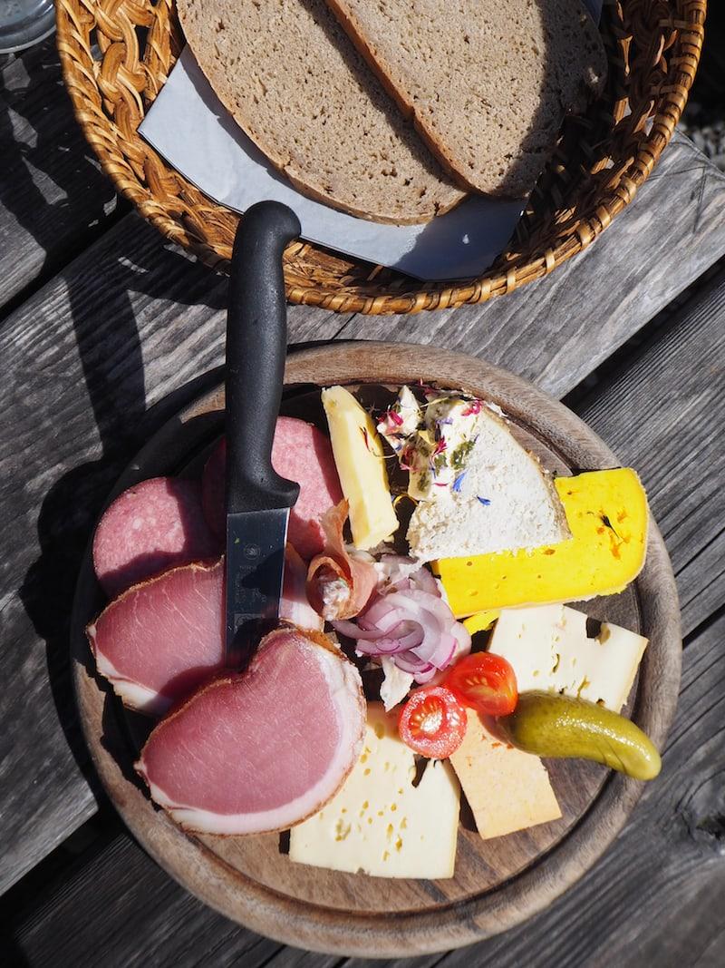 Mahlzeit auf der Karseggalm ...