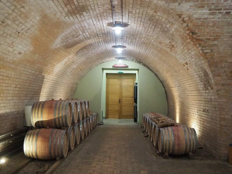 ... ein Thema entlang der fruchtbaren Hänge des Klosters und seiner Umgebung. Hier werden wir einen Blick in den Rotweinkeller der Abtei ...