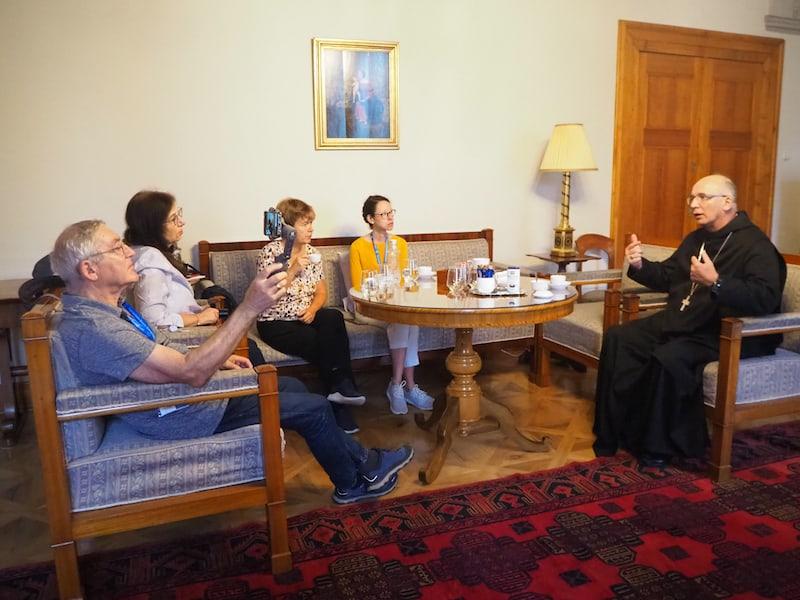 Begegnung im Kloster: Im Gespräch mit Abt Cyrill von der Erzabtei Pannonhalma ...