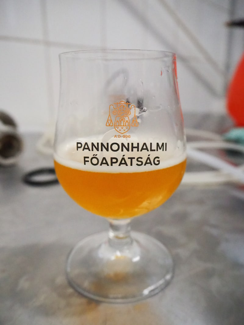 """Bitte ein Bier: Das """"Blonde"""" aus der Erzabtei Pannonhalma ..."""